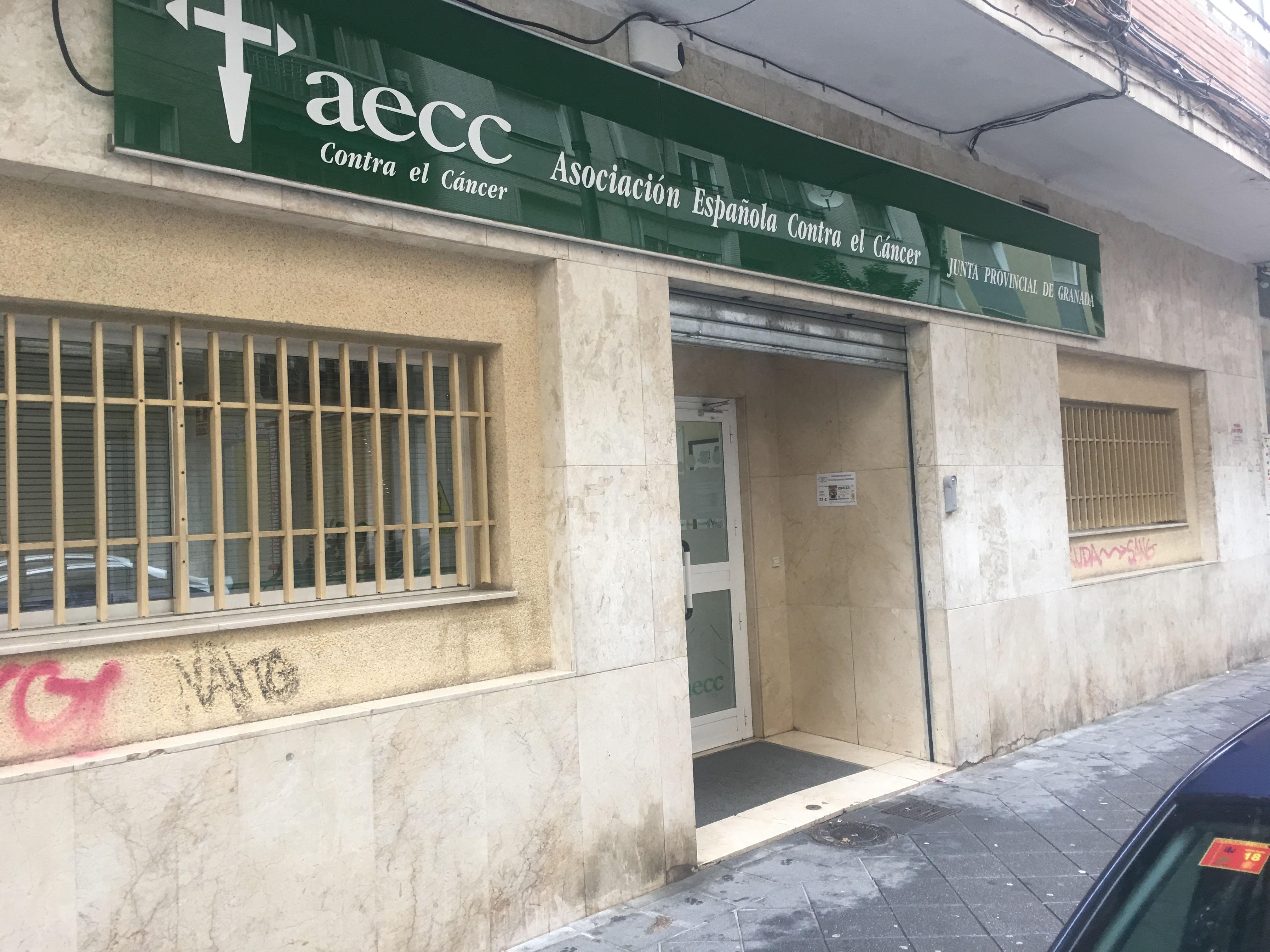 Reunión con la Asociación Española contra el Cáncer
